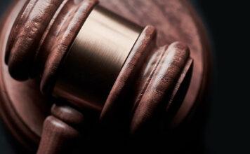 Jakie są najważniejsze kwestie regulowane przez prawo pracy?